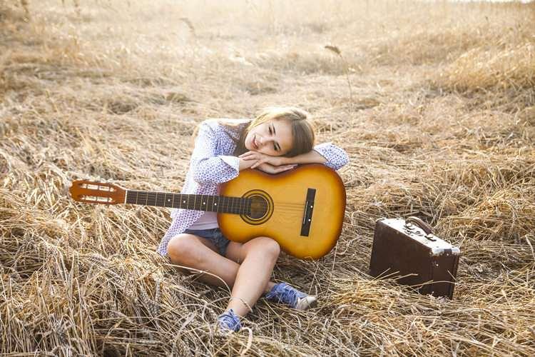 广西Songtoos古典吉他多少钱一把-蚂蚁乐器批发